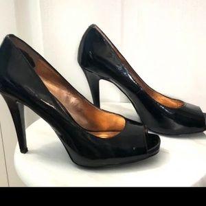 BCBGeneration black peep toe heel pumps size 8